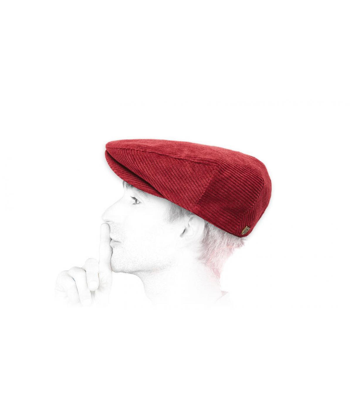 berretto di velluto bordeaux