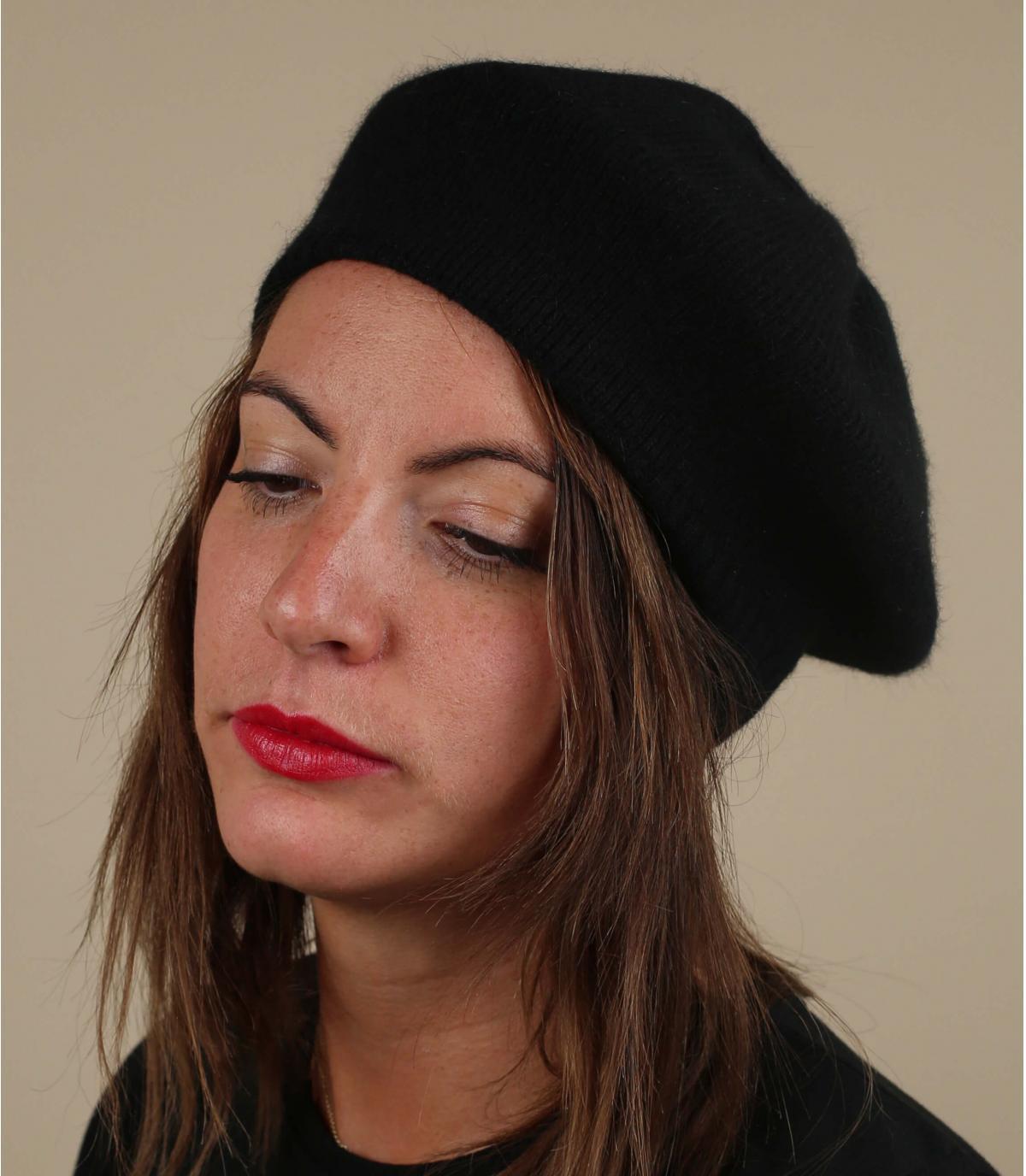 Berretto basco in lana nera