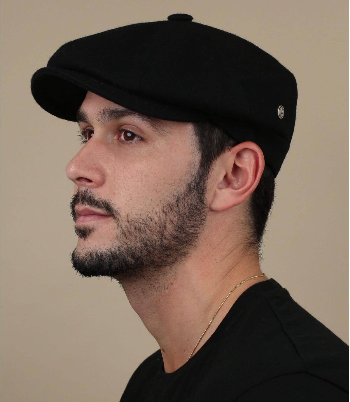 berretto in lana nera