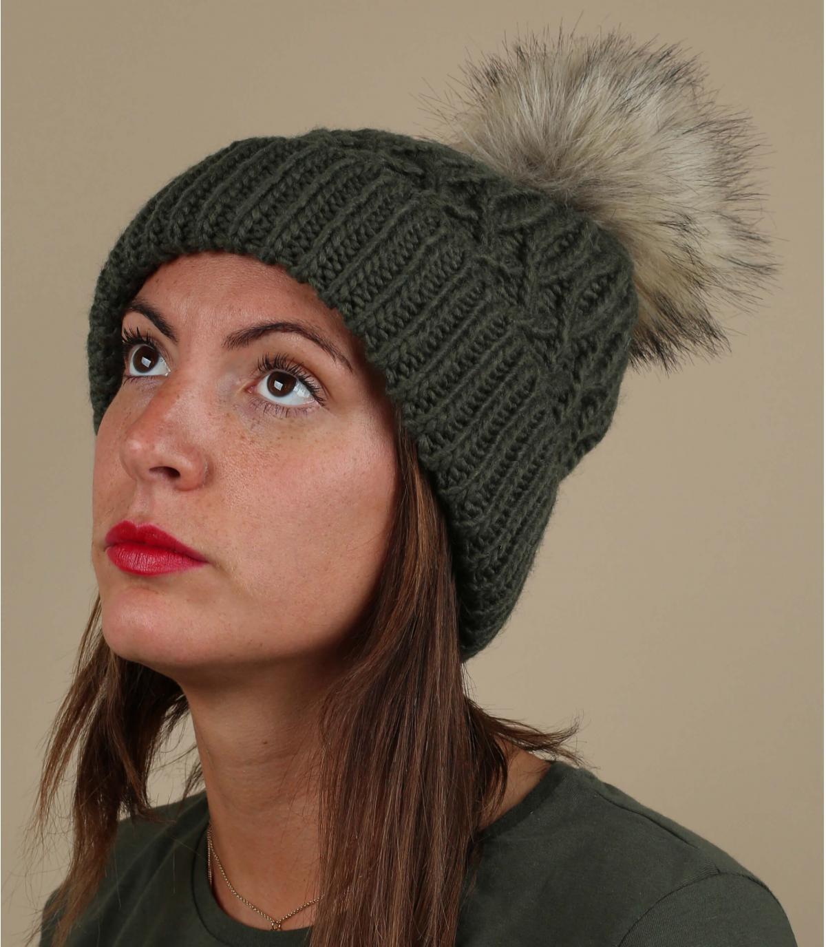 cappello pompon di pelliccia verde