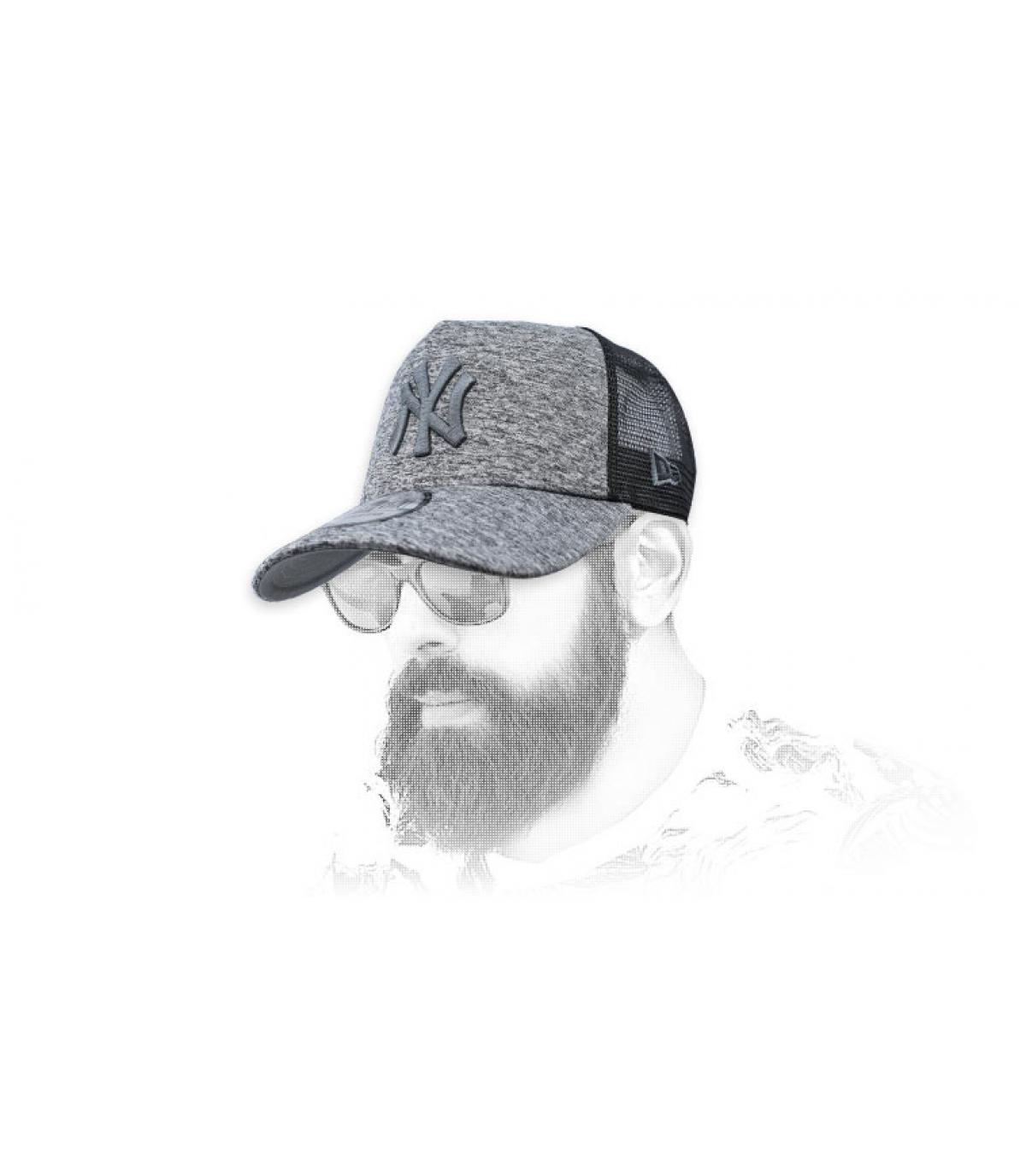 camionista NY grigio