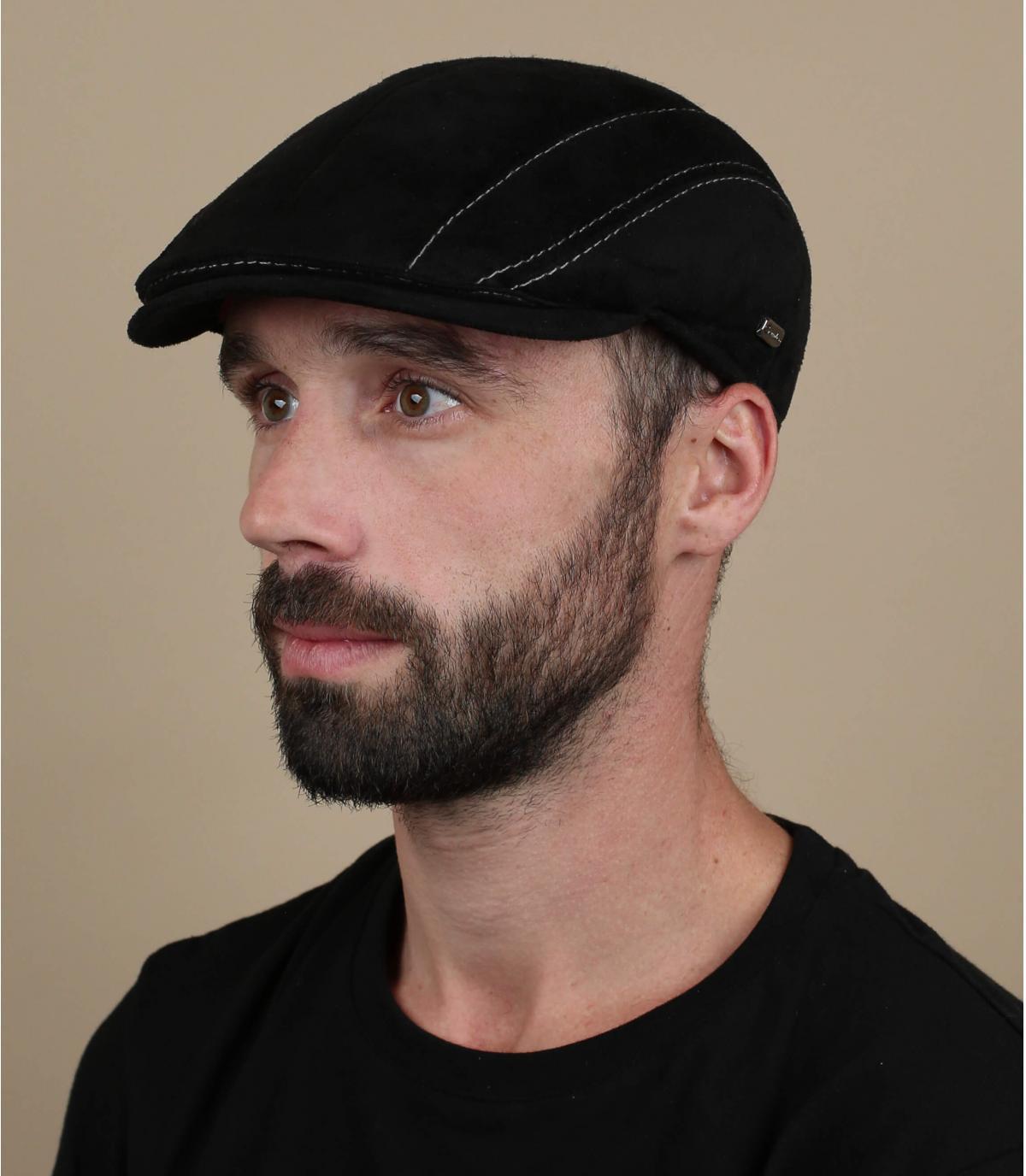 berretto in camoscio nero