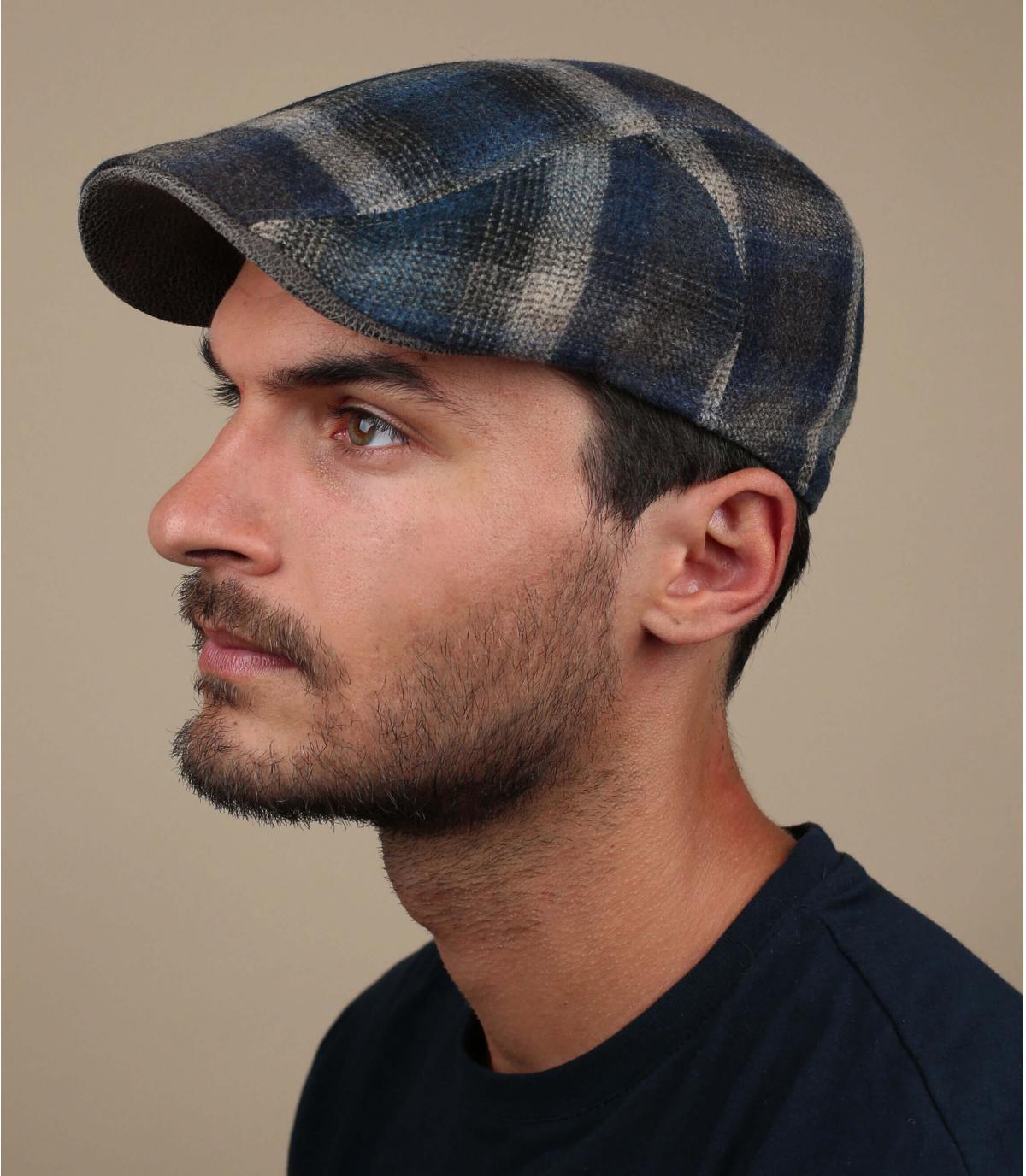 berretto di lana blu beige