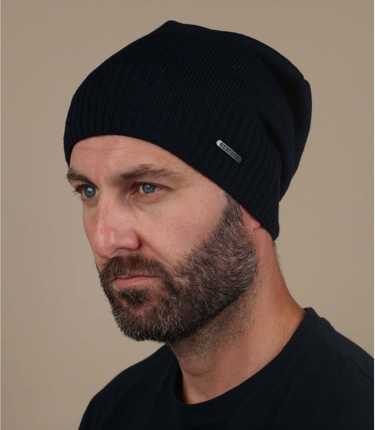lungo cappello di lana blu
