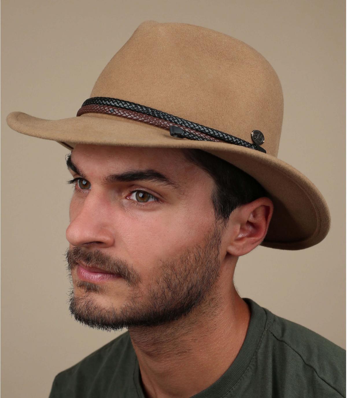 cappello di feltro beige