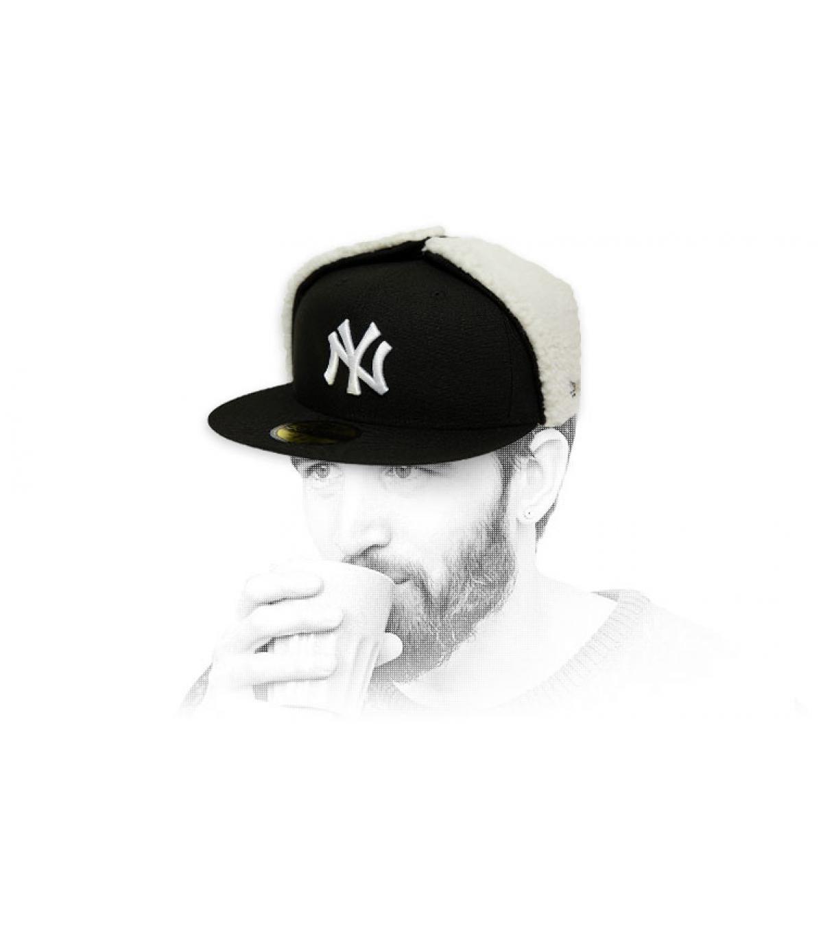 berretto NY nero bianco protegge le orecchie