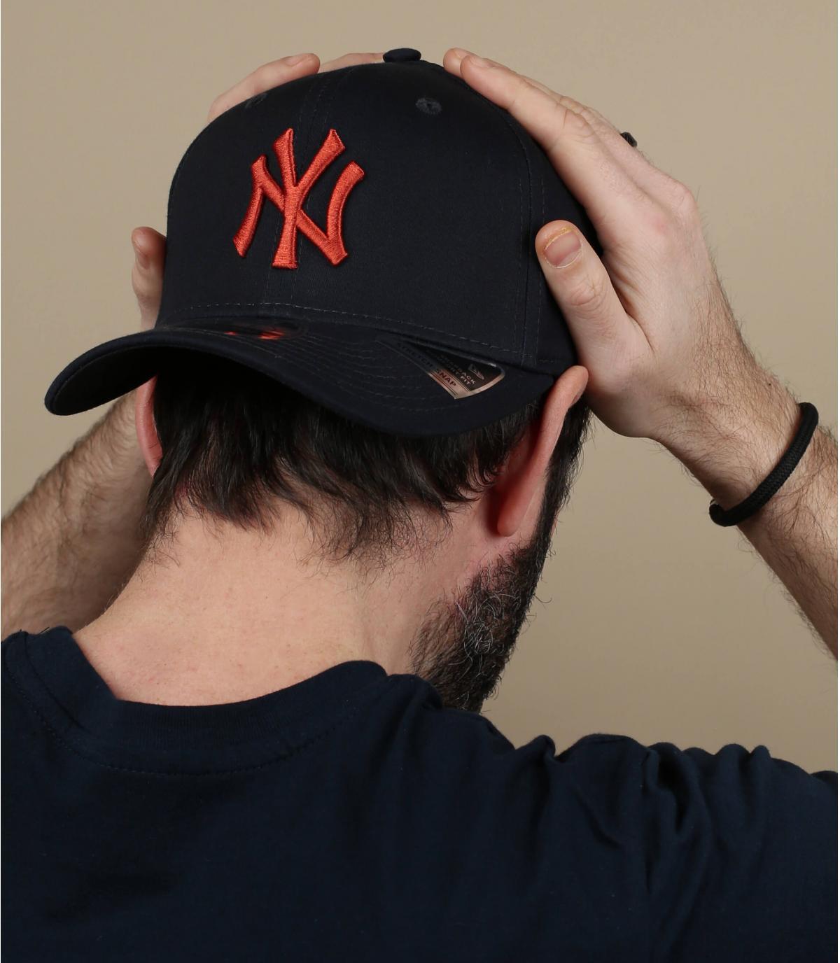 berretto NY arancione blu
