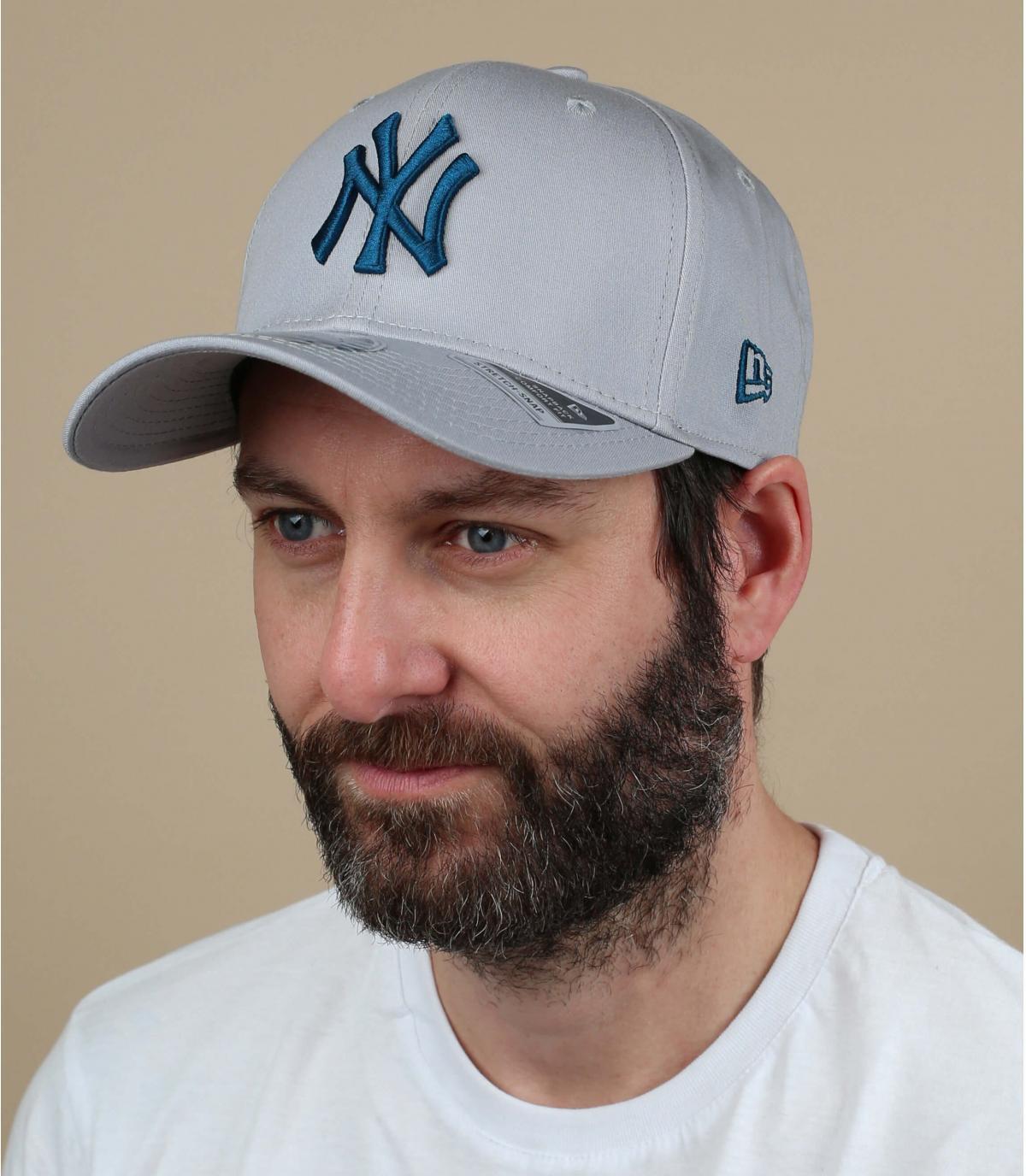 Cappellino grigio blu NY