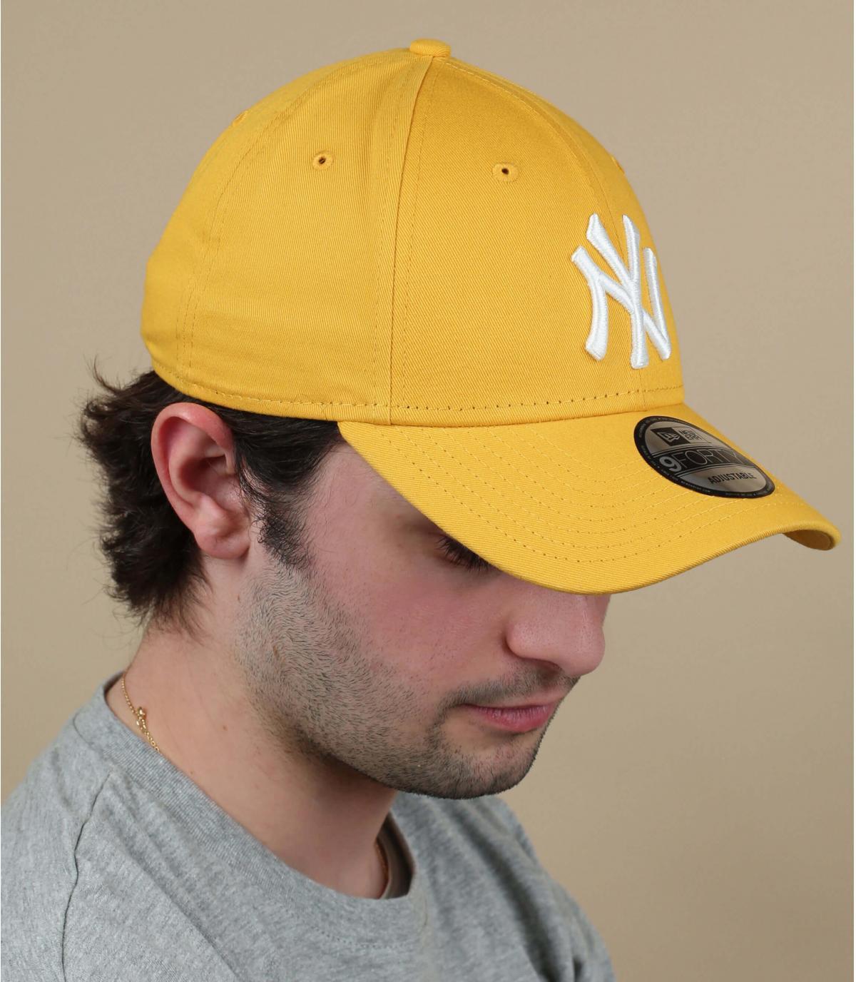 Cappellino NY bianco giallo