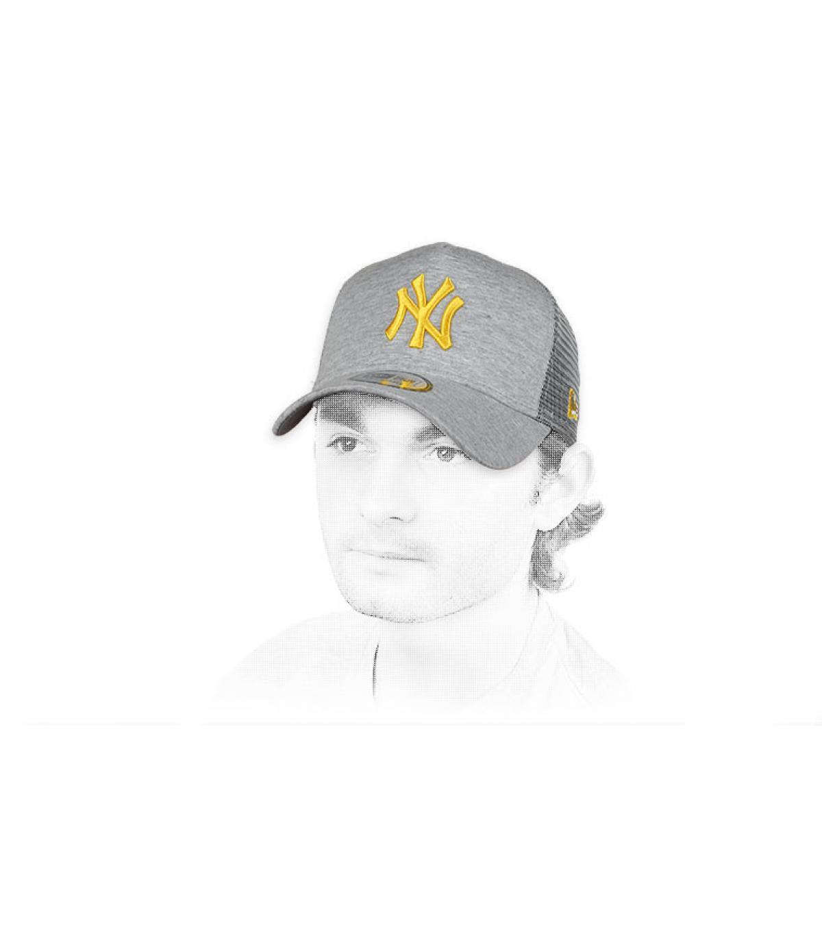camionista NY grigio giallo
