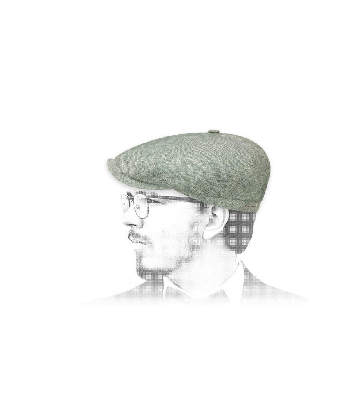 berretto strillone di lino verde