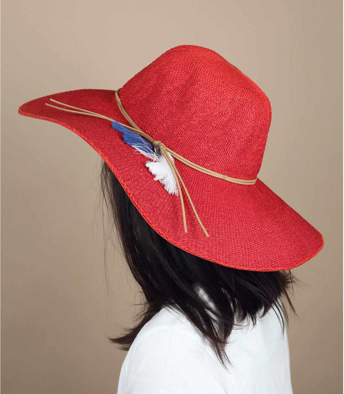 cappello di paglia rosso