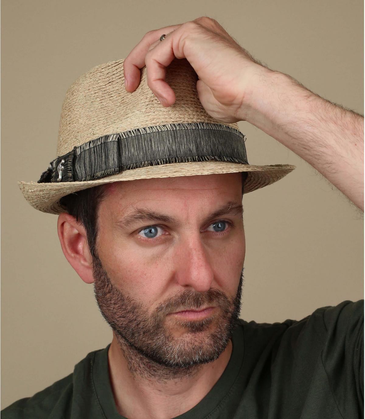 cappello di paglia a treccia