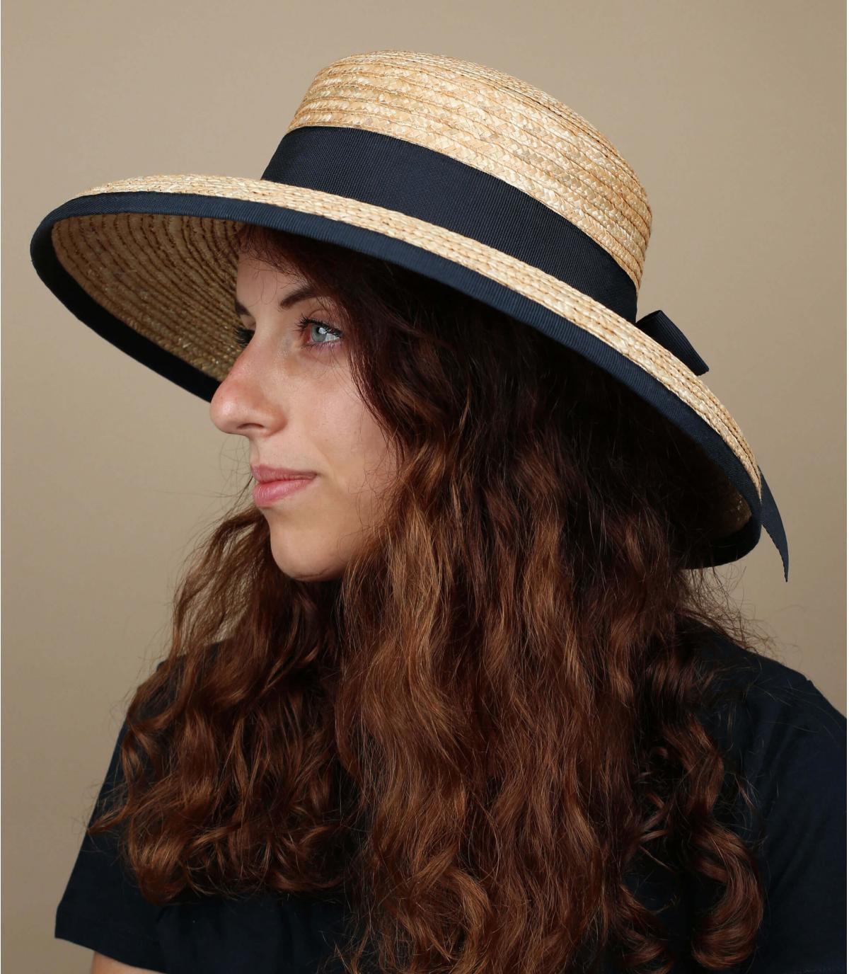 cappello di paglia annodato