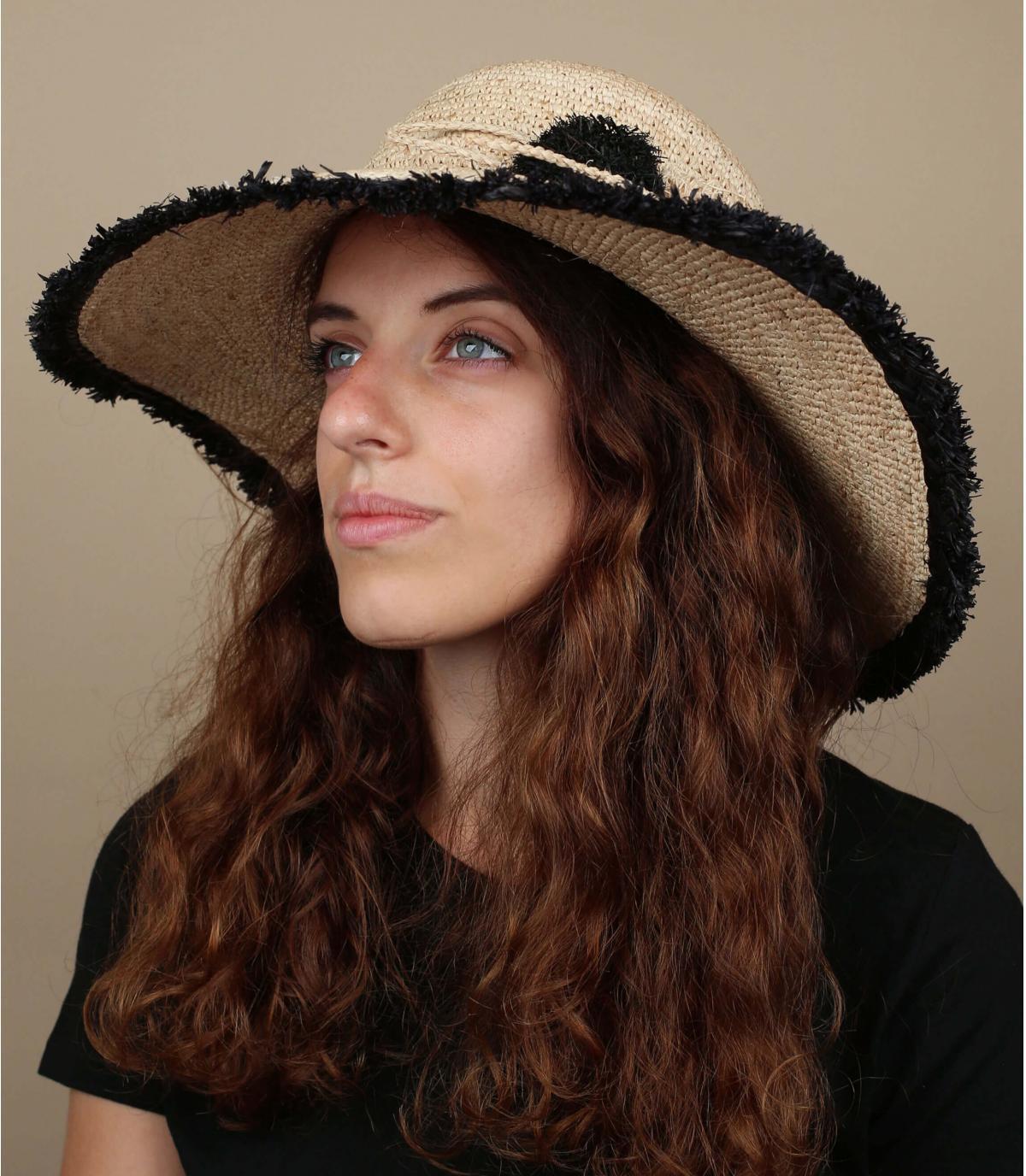 cappello di paglia con frange nero