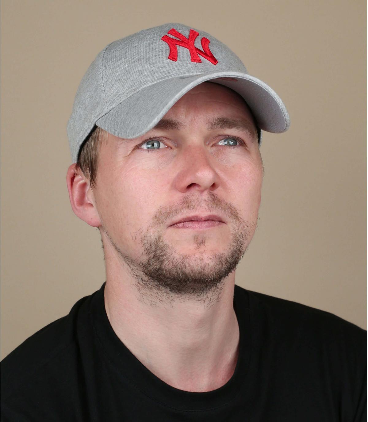 berretto NY rosso grigio