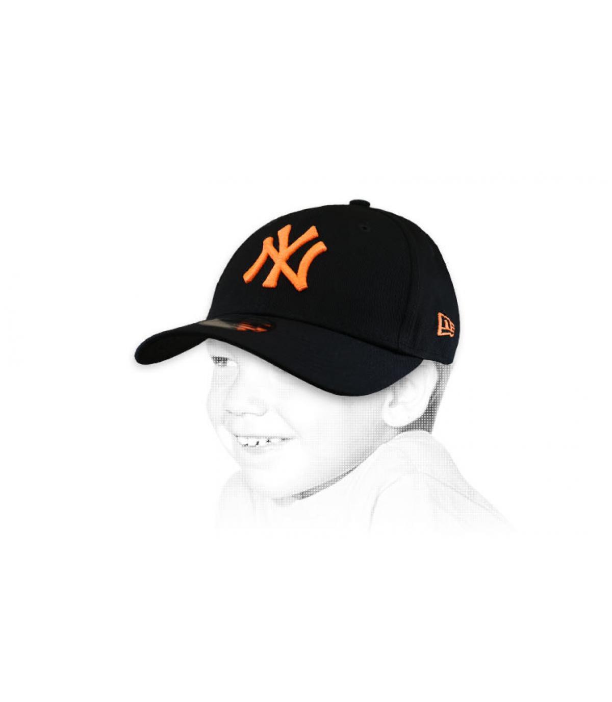 Cappellino da bambino nero arancione NY