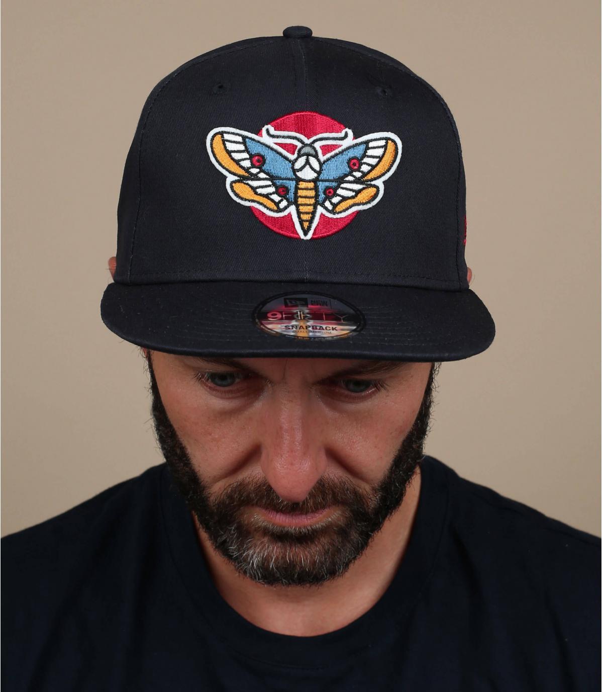 cappello a farfalla nero