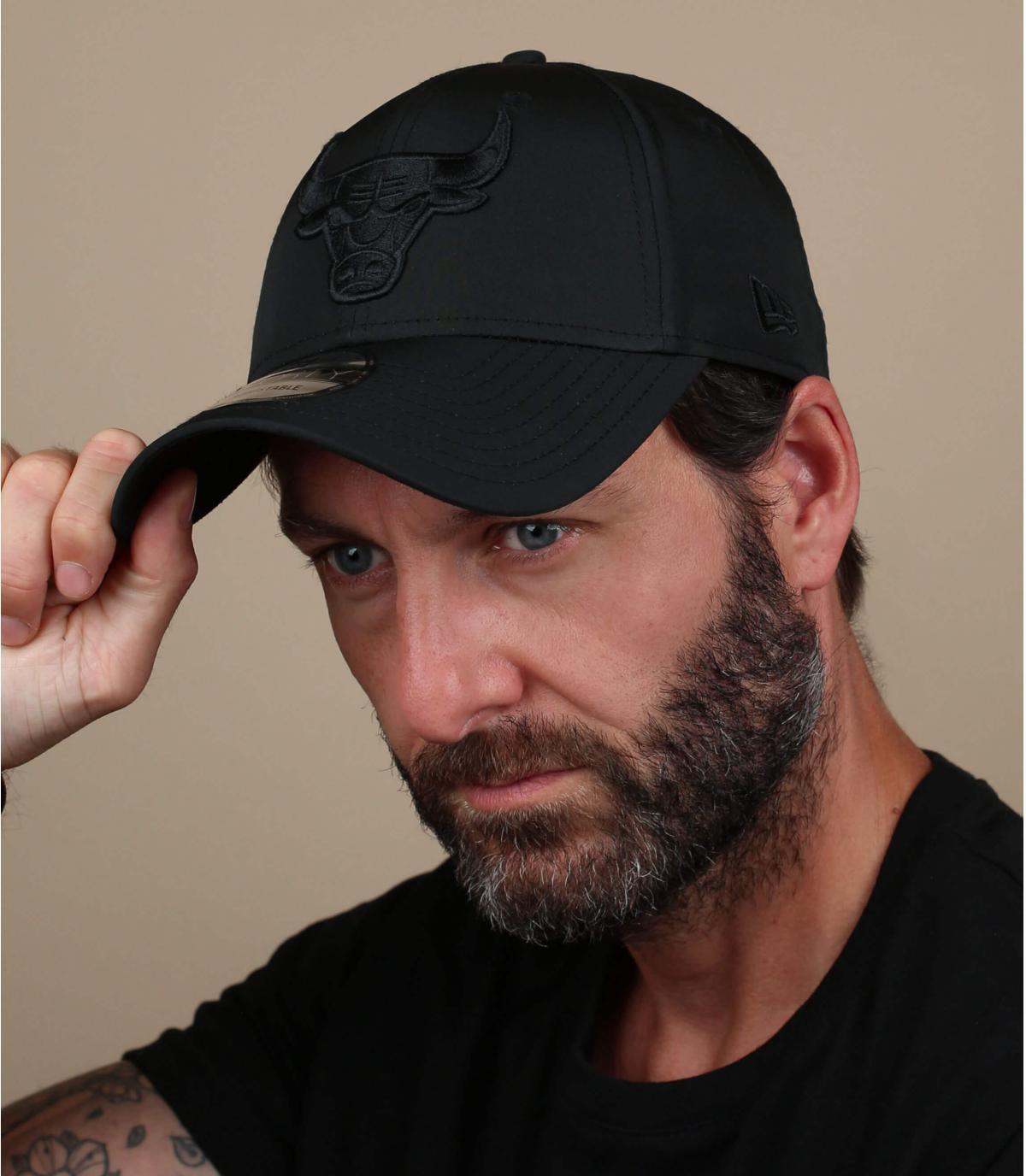 cappello da toro in nylon nero
