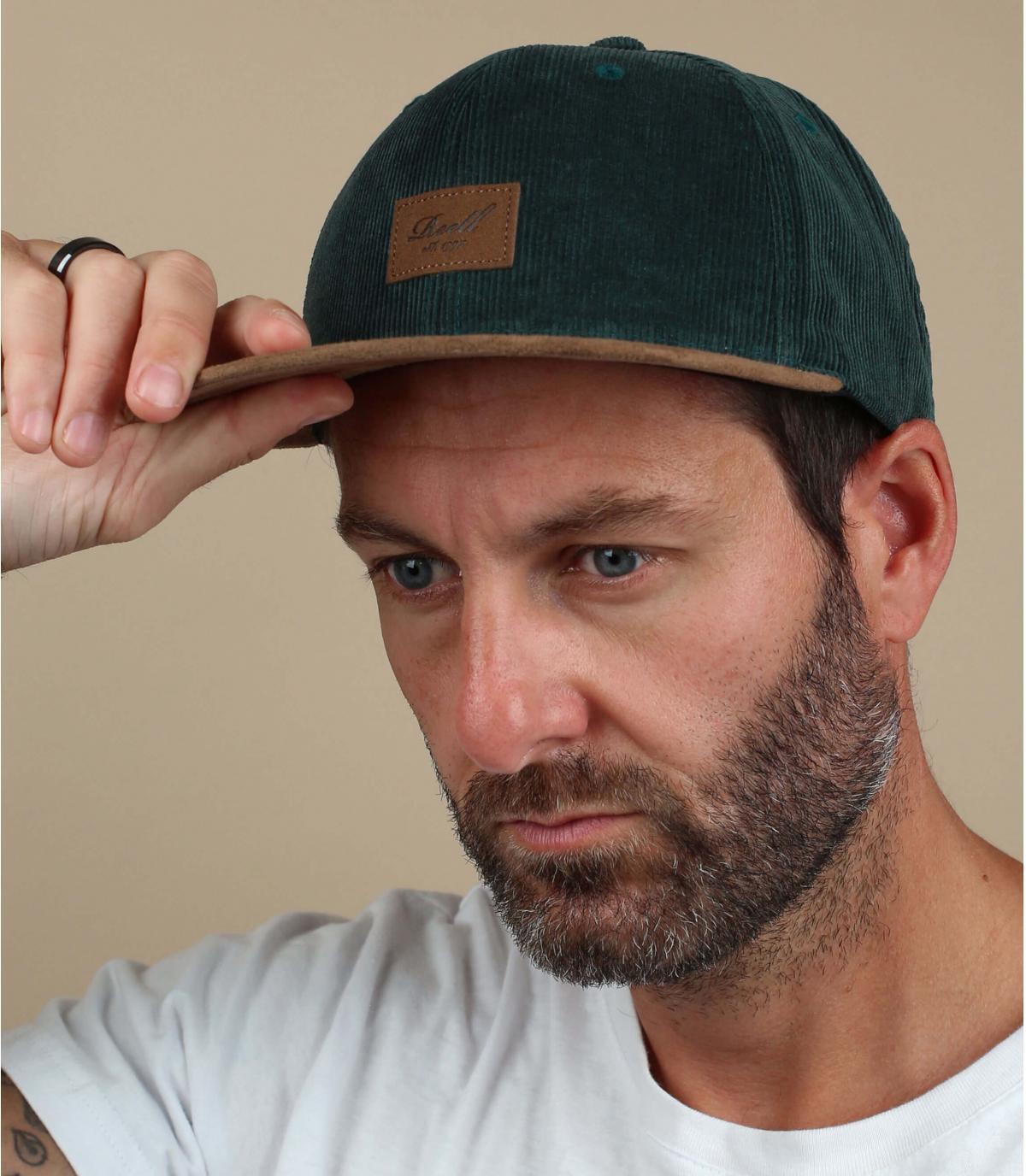 berretto in velluto verde Reell