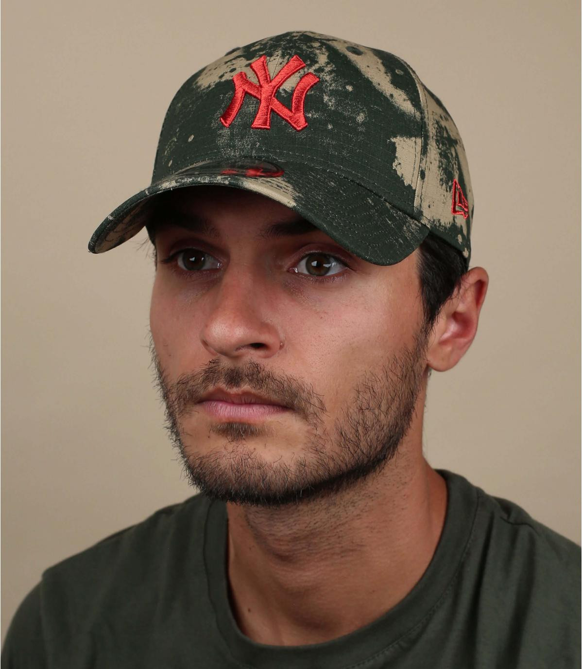 Cappellino mimetico rosso NY