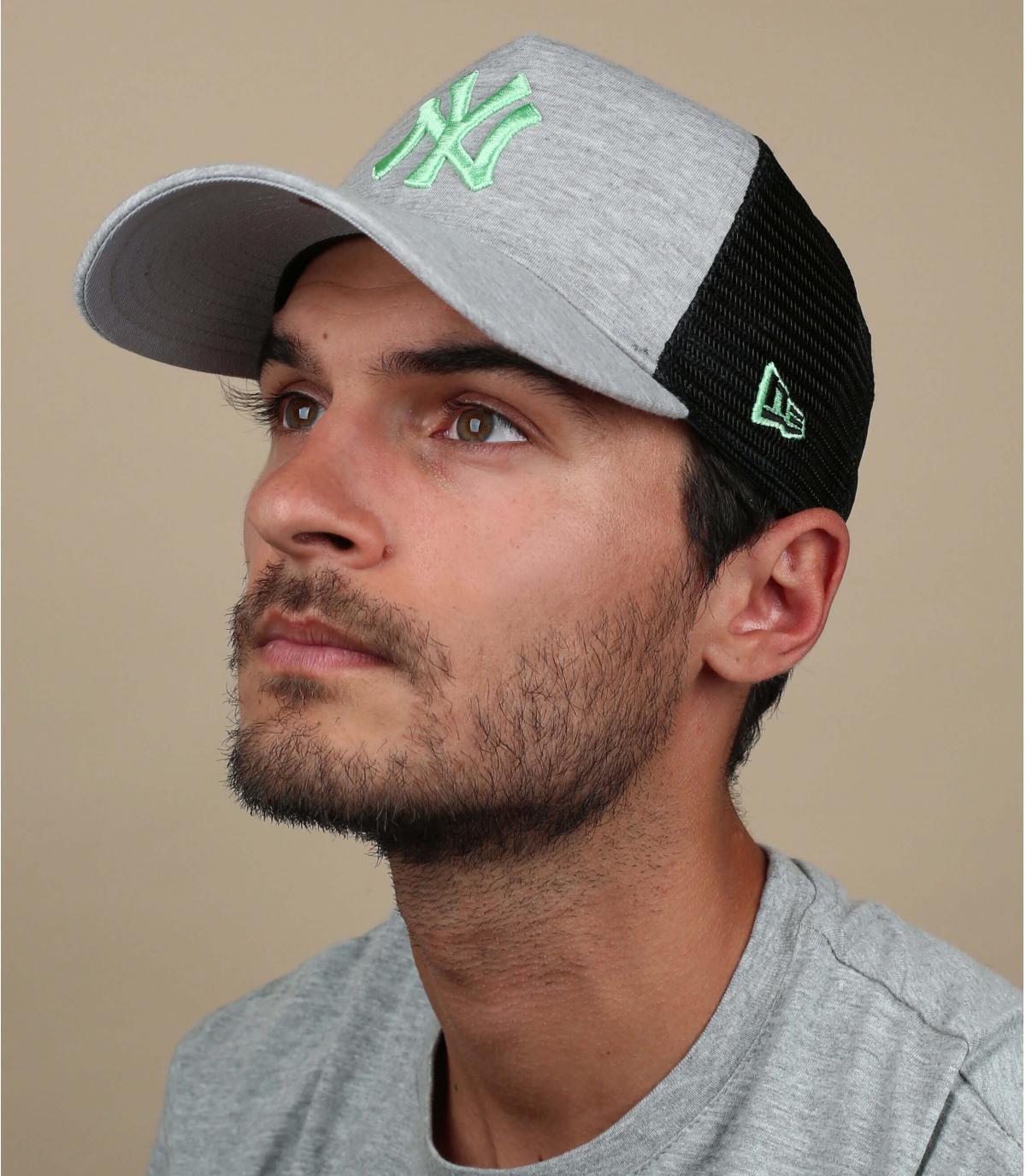 NY trucker grigio verde