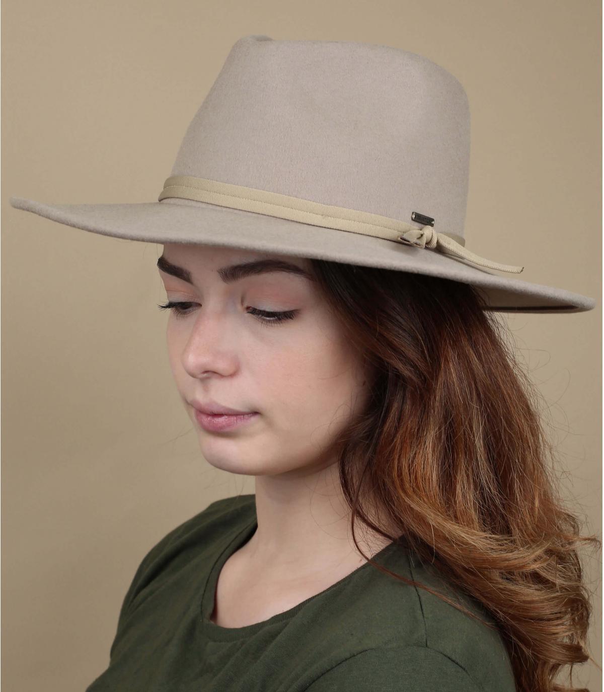 Cappello di feltro pieghevole beige