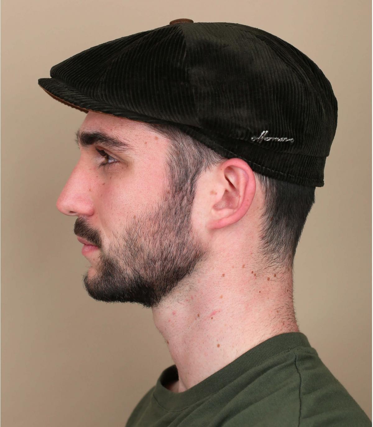 berretto strillone verde velluto