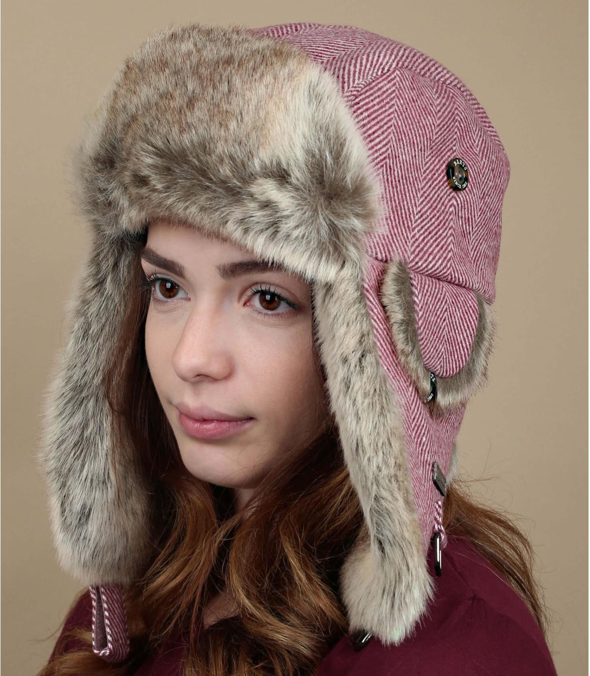cappello di pelliccia rosa