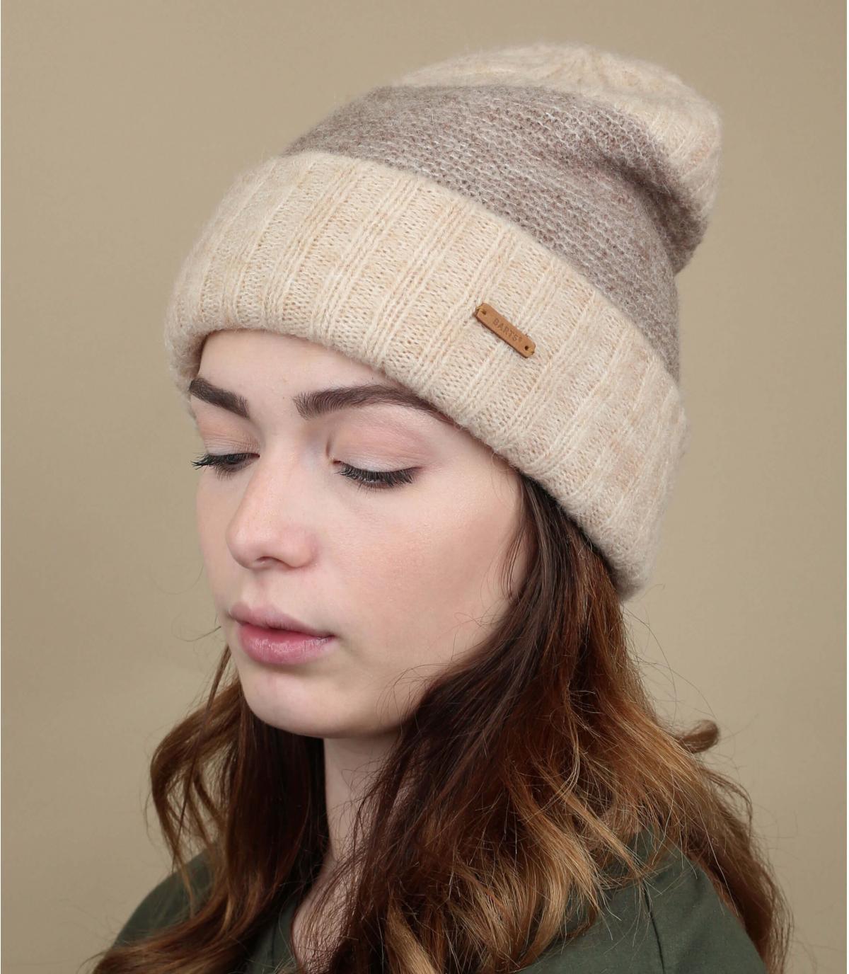 cappello polsino in lana beige