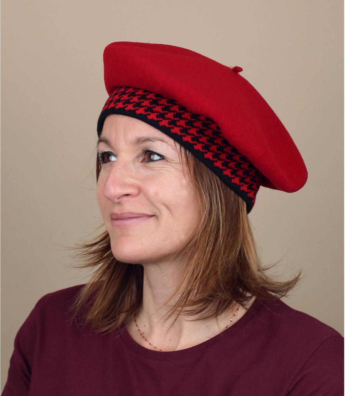 berretto rosso pied de poule