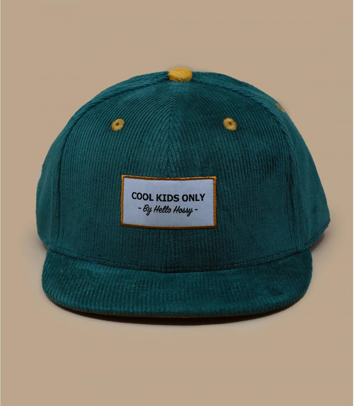 berretto di velluto verde per bambini
