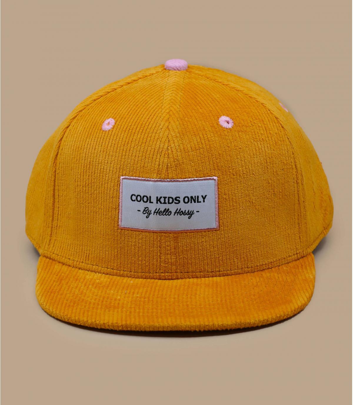 berretto di velluto giallo per bambini