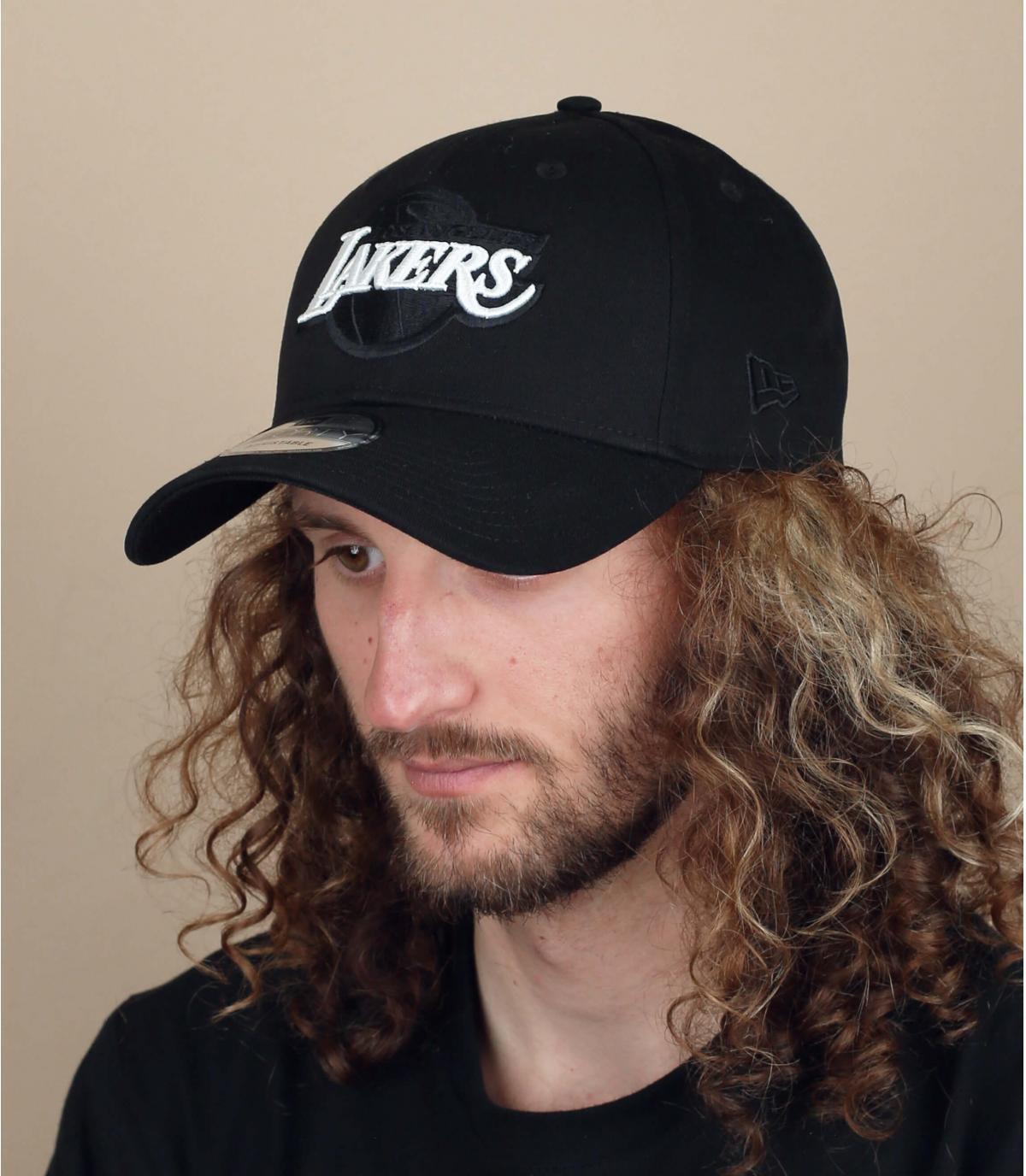 berretto nero dei Lakers