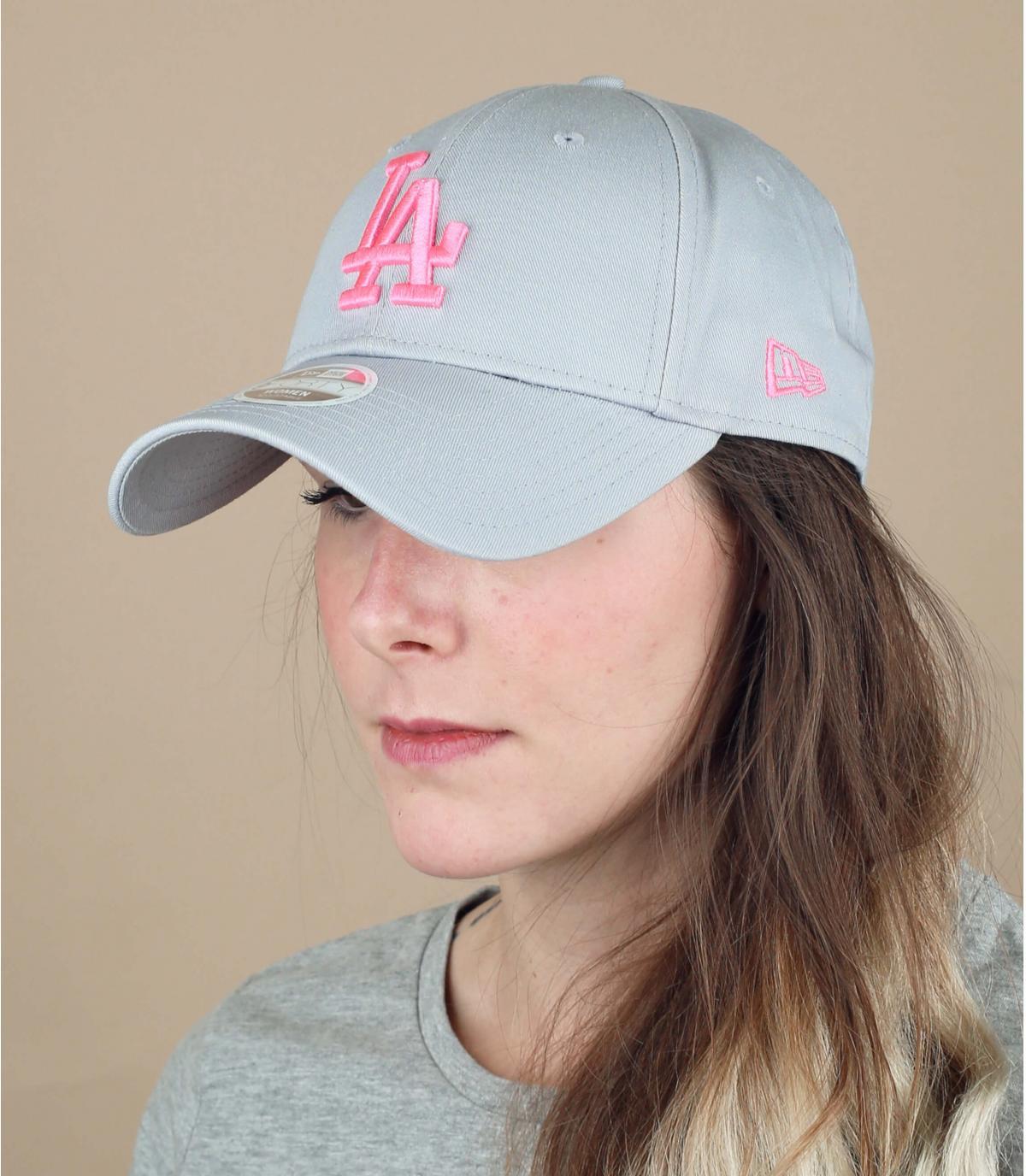 berretto da donna grigio rosa LA