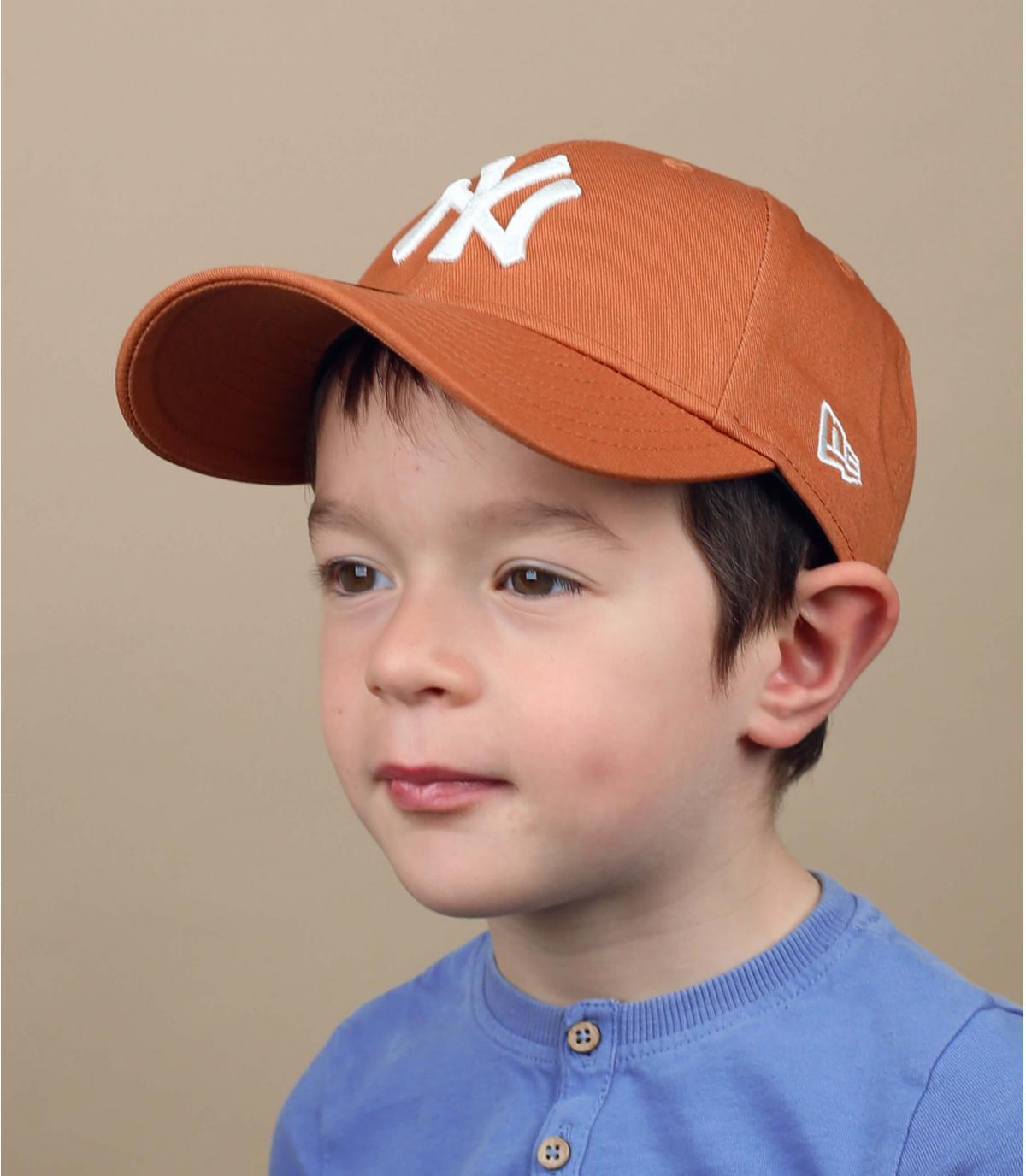 berretto NY da bambino beige