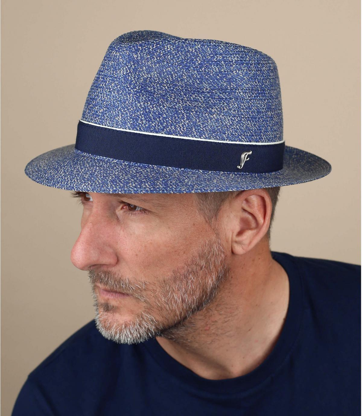 cappello blu paglia