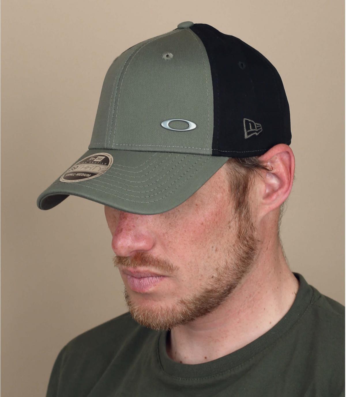 cappellino curvo Oakley verde