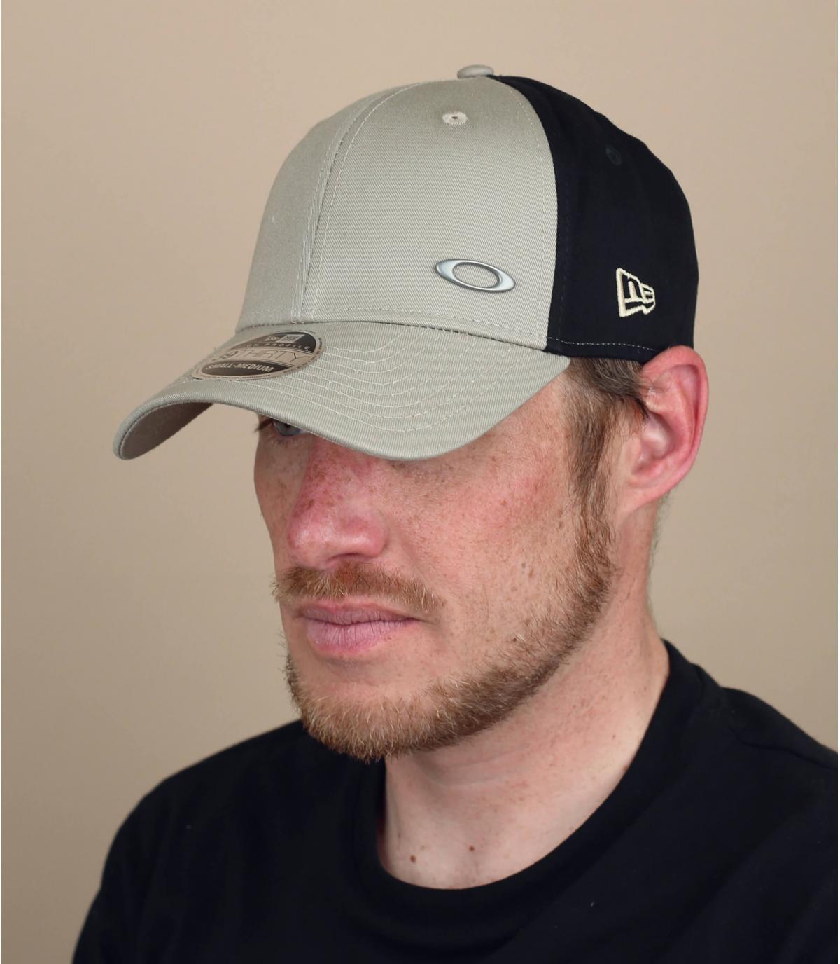 cappellino curvo Oakley beige
