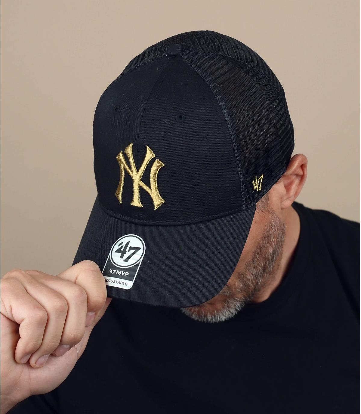 trucker NY nero logo dorato