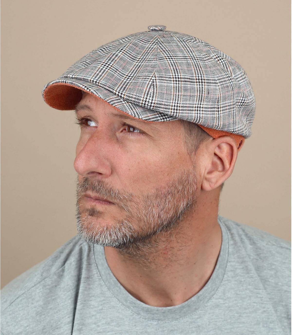 Cappello alla gavroche grigio a quadri