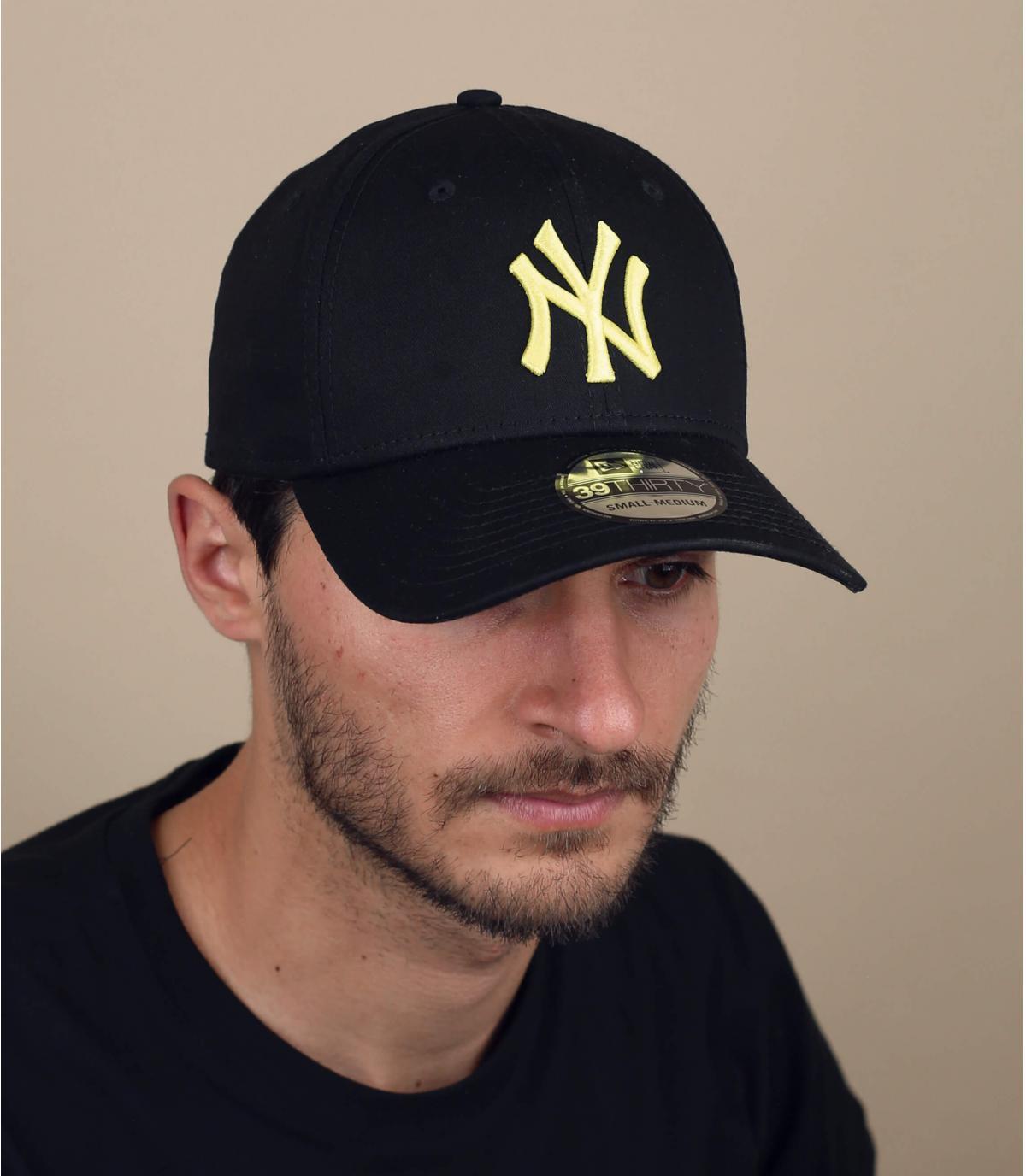 cappellino NY stretch nero brillante