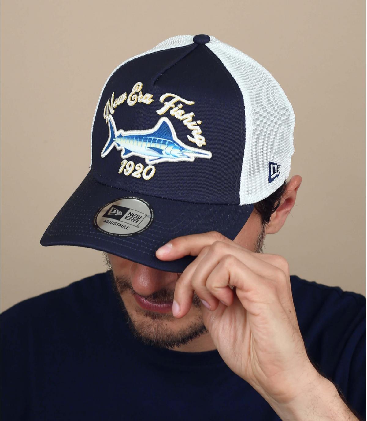 Trucker blu con pesce spada