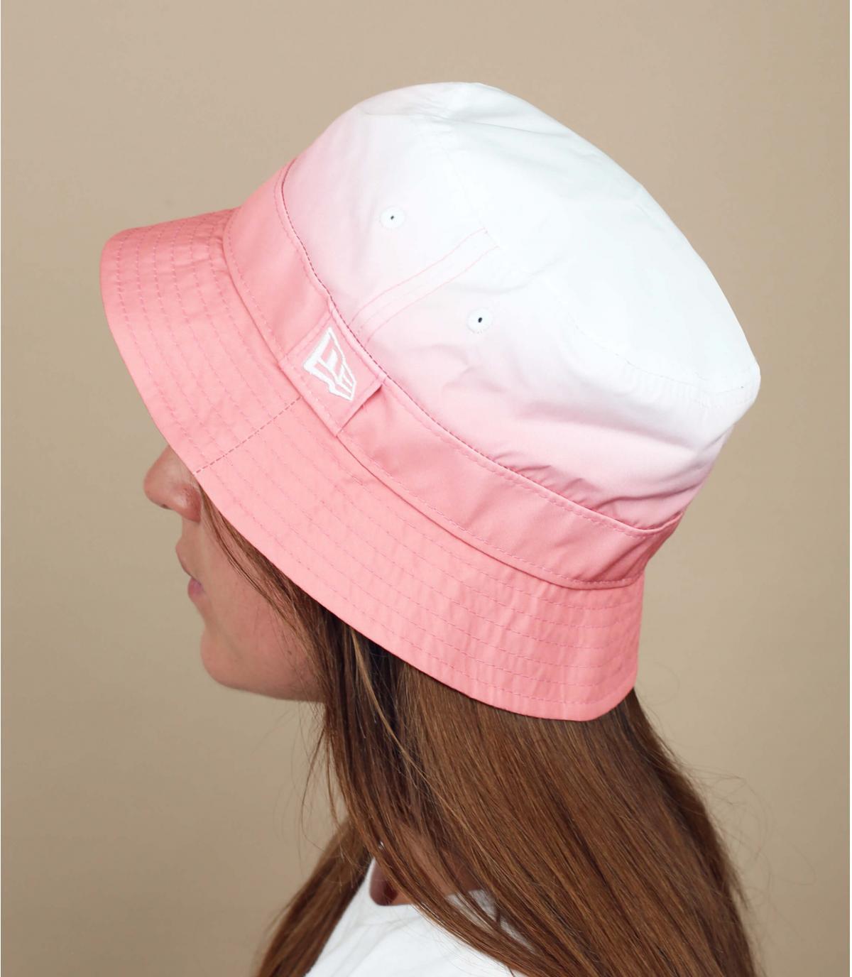 Cappello da pescatore rosa sfumato New Era