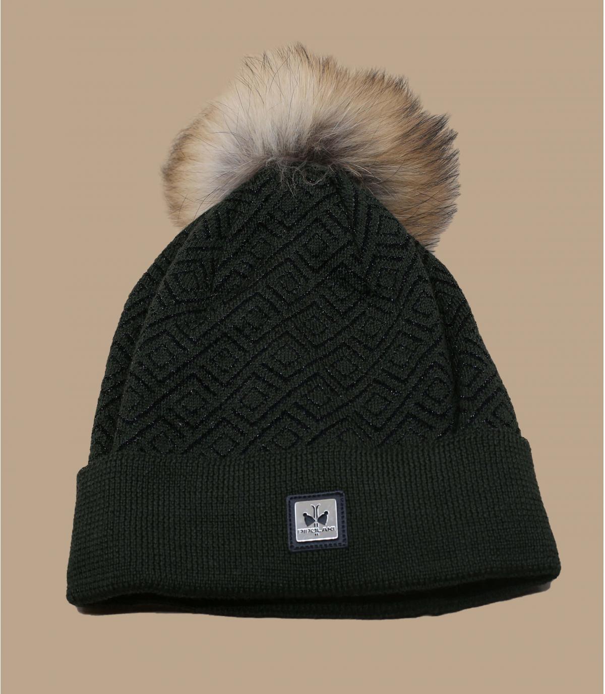 cappello di lana verde con pompon di pelliccia