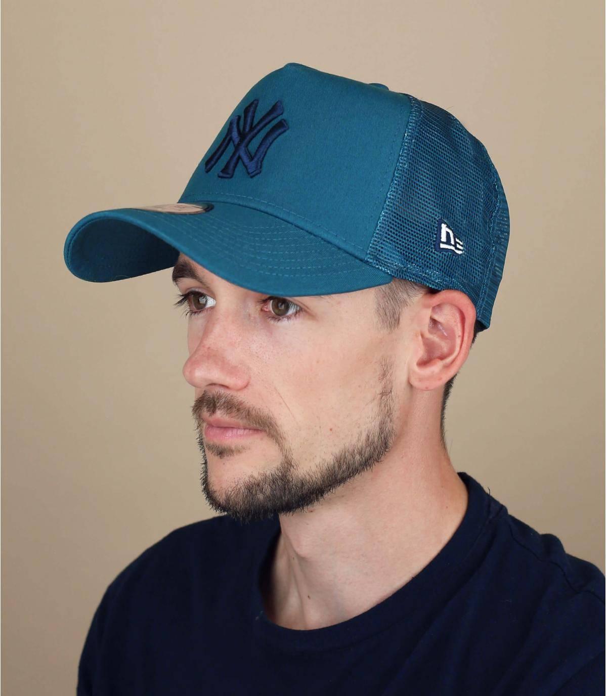 trucker NY blu