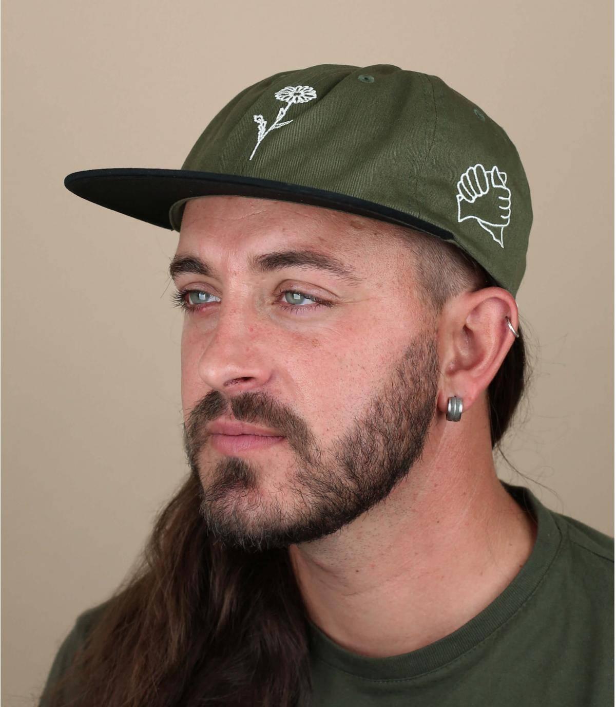 cappellino verde Obey