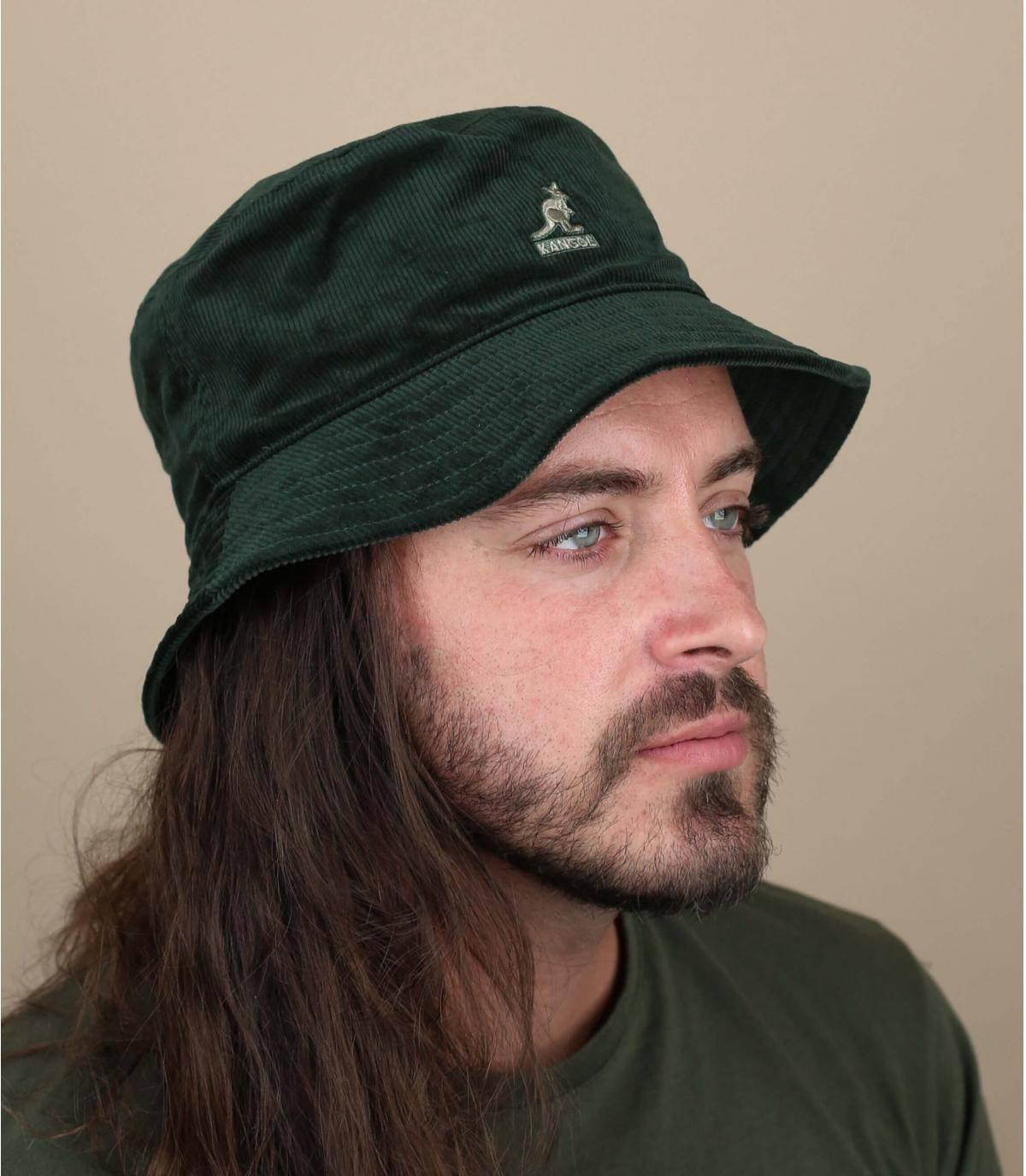 cappello da pescatore velluto verde
