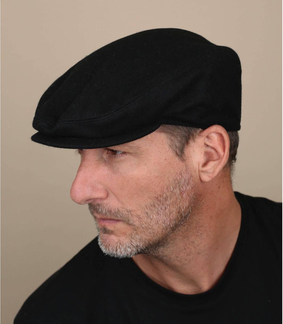 berretto nero di lana