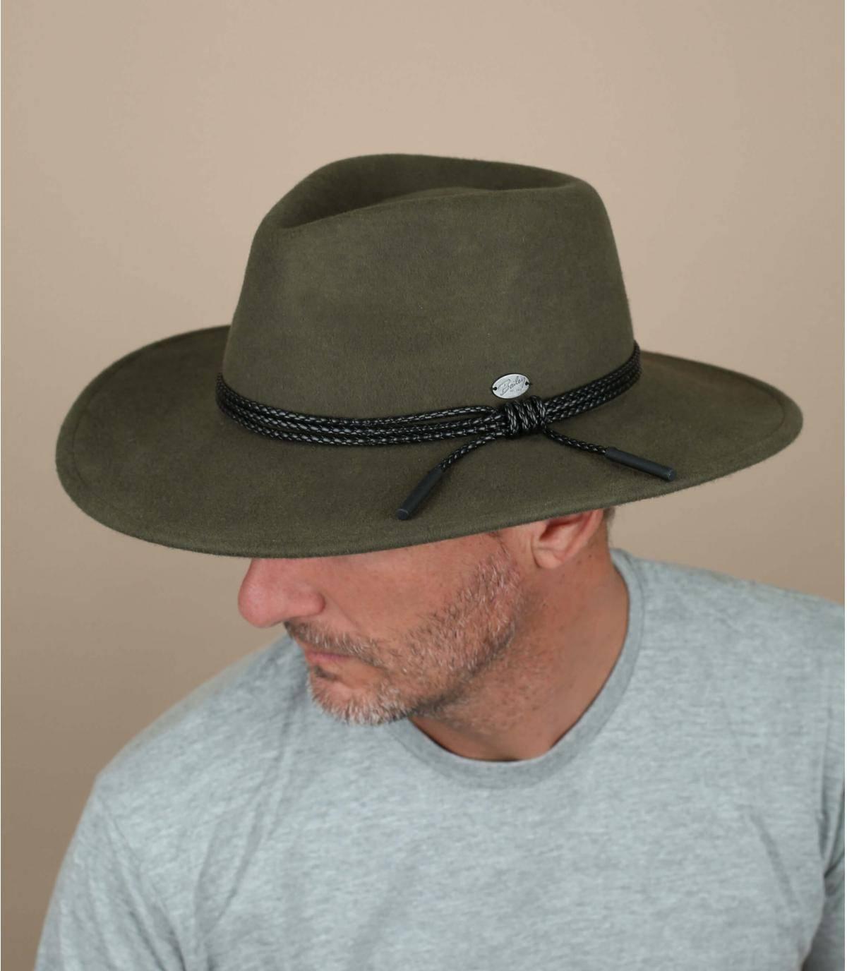 cappello di feltro verde